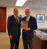 Радев се срещна с Бил Клинтън, покани го у нас