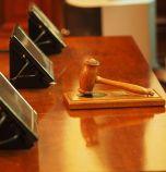 Съдът остави в ареста задържаните за наркотици и подкупи полицаи от Седмо...
