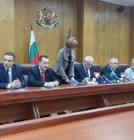 МВР разпредели 97 млн. лв. на полицаите без да ги има и им обеща нов закон