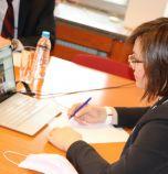 Нинова участва във видеоконферентна среща с лидери на партии и премиери