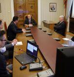 Президентът контра на Щаба: Иска масово тестване за...
