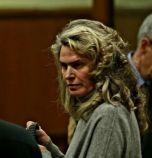 Съдът: Жената до Васил Божков остава в ареста....