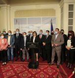 """Нинова: """"Има такъв народ"""", ГЕРБ, ДПС и Да, България опропастиха преизчисляването на пенсиите"""